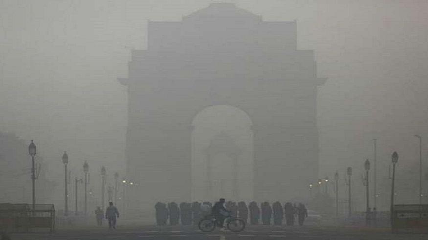 दिसंबर में दिल्ली वासियों पर 'डबल अटैक'! कड़ाके की सर्दी के साथ हवा की गुणवत्ता भी बेहद खराब, बढ़ी मुश्किलें