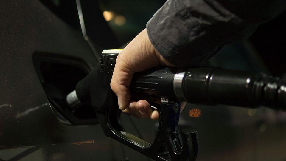 पेट्रोल, डीजल के दाम में बड़ी वृद्धि, कई जगह शतक लगाने के करीब पेट्रोल, जानें आपके इलाके में क्या है भाव