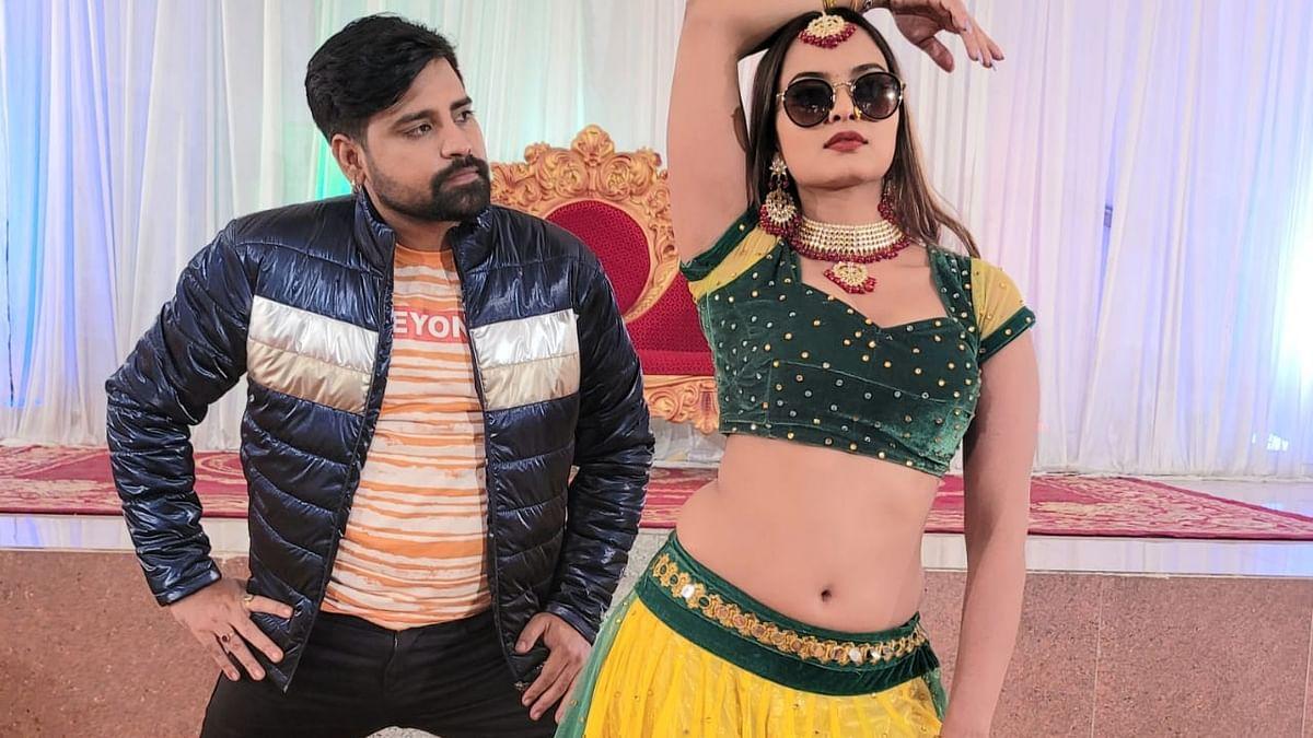 सिनेजीवन: हॉट भोजपुरी गाना 'बाजे द' ने सोशल मीडिया पर मचाया तहलका और कीर्ति ने पुलकित से कहा, 'आई लव यू'
