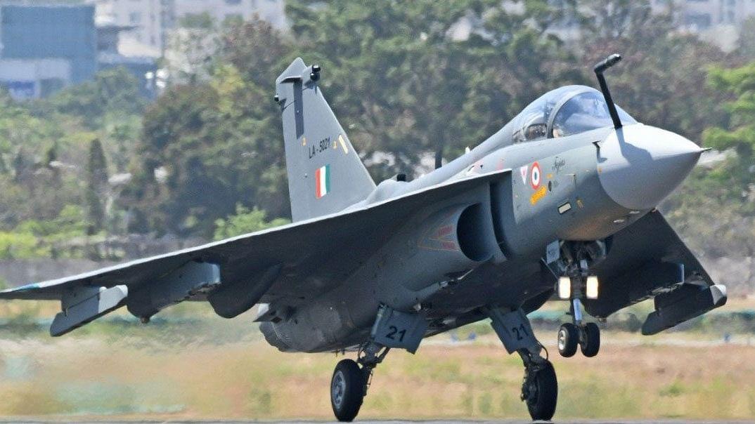 मोदी सरकार ने 48000 करोड़ के रक्षा सौदों को दी मंजूरी, 83 तेजस लड़ाकू विमान खरीदे जाएंगे