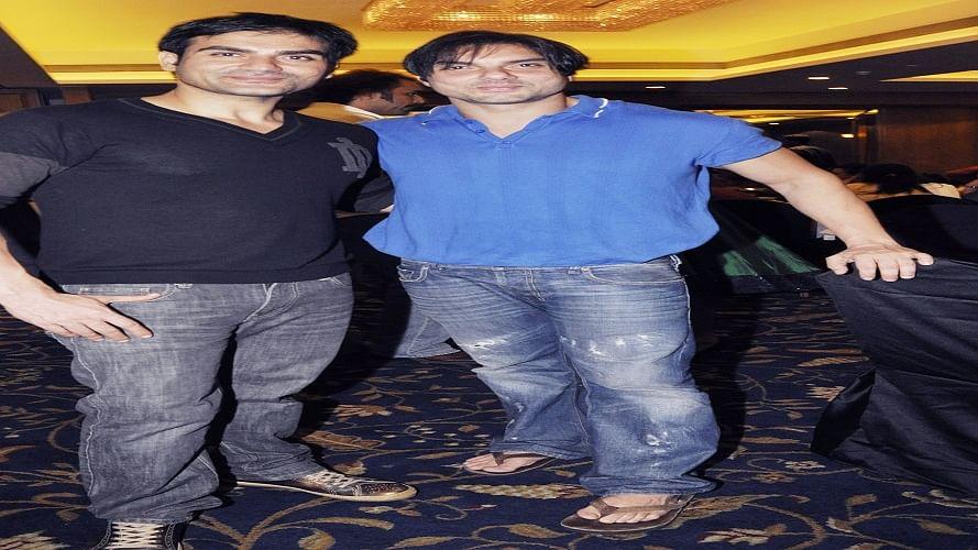 अभिनेता अरबाज खान और सोहेल खान को किया गया क्वारनटीन, नियमों का उल्लंघन करने पर कल हुई थी FIR