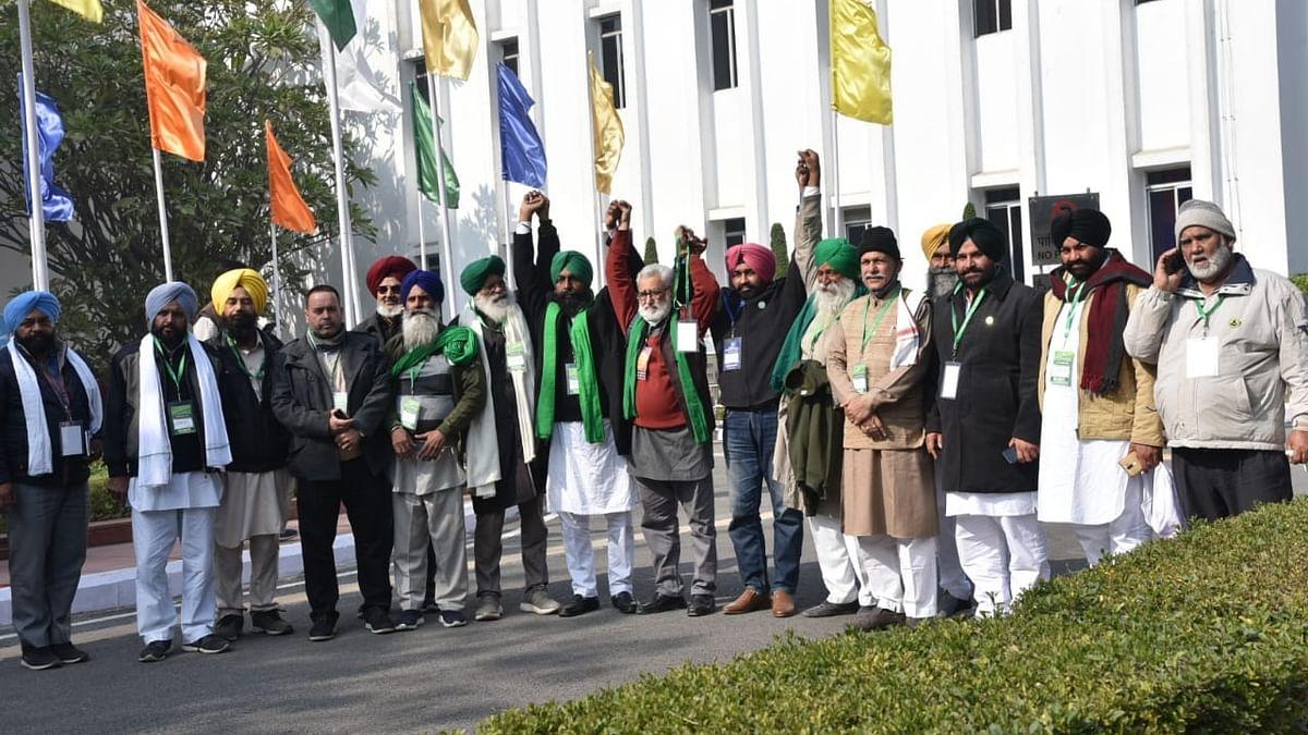 Farmers Protest LIVE: कोर्ट की कमेटी के पास नहीं जाएंगे किसान, राकेश टिकैत बोले- MSP से भाग रही सरकार