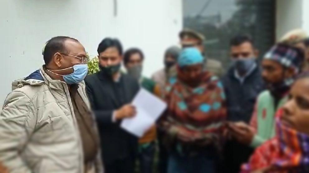 यूपी में जंगल राज! मेरठ में दबंग ने डीजे बजाकर पड़ोस में रहने वाली गरीब की बेटी से किया रेप