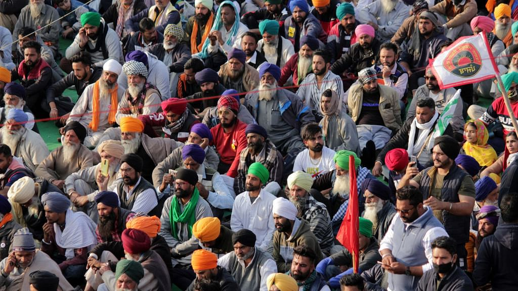 कृषि कानूनों को लेकर किसानों में गुस्सा बढ़ा, पटियाला में किसानों ने रोकी हिंदी फिल्म की शूटिंग, बैरंग लौटी पूरी टीम