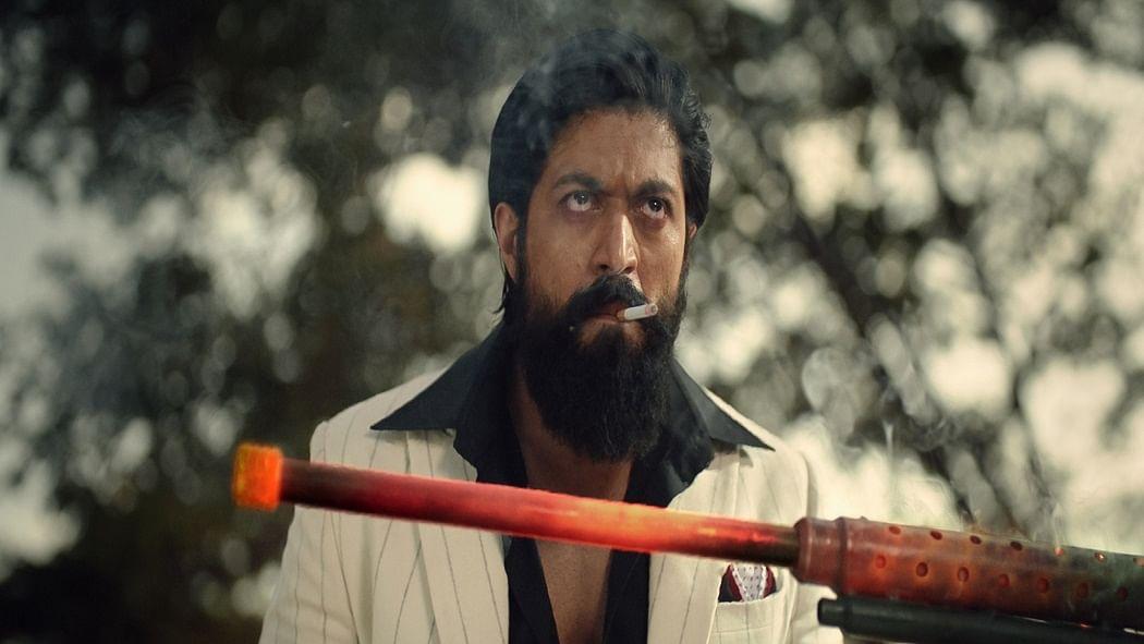 सिनेजीवन: अनुष्का-विराट के घर गूंजी किलकारी और रिलीज से पहले ही लीक हो गई फिल्म KGF 2 की...!