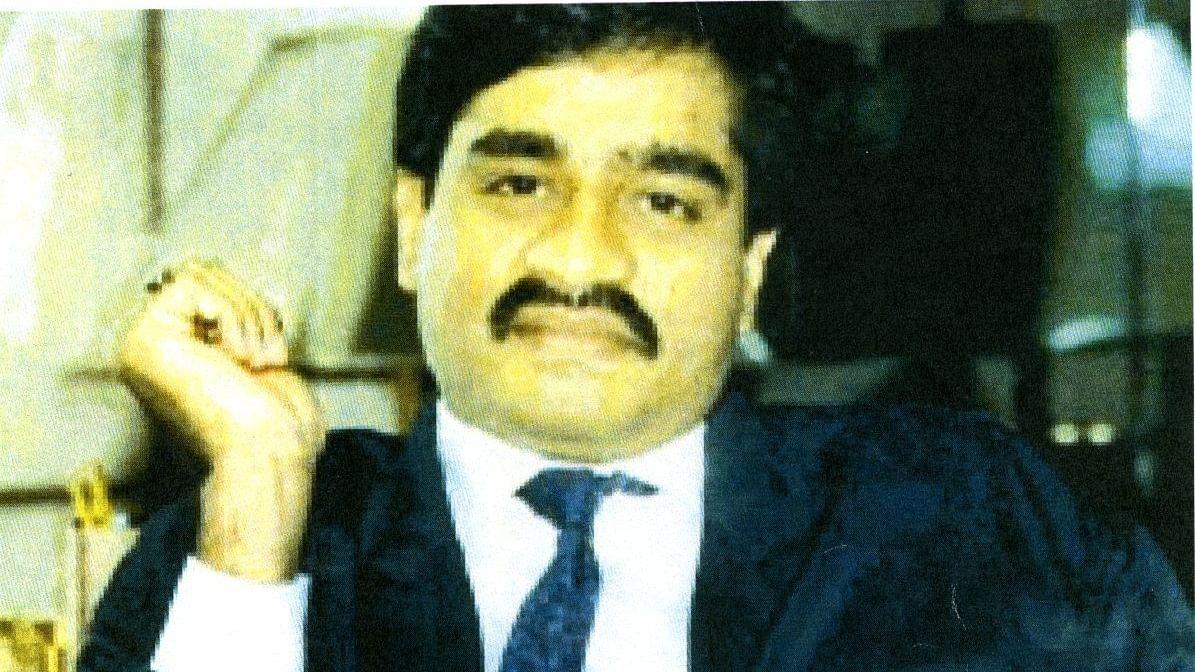 मुंबई में दाऊद से जुड़े ड्रग्स फैक्ट्री का भंडाफोड़, नकदी और भारी मात्रा में ड्रग्स बरामद
