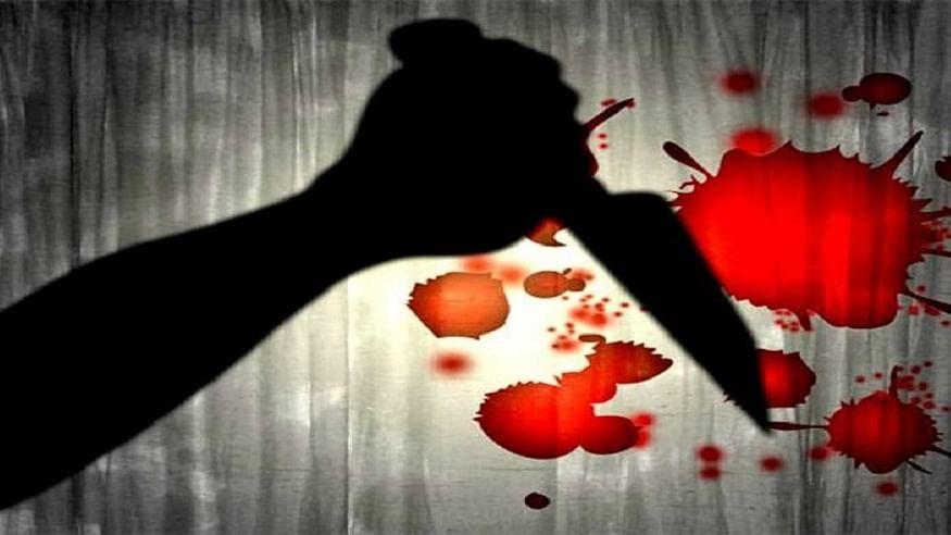 दिल्ली: गोद में 2 साल के बच्चे को लेकर जा रही थी महिला, चेन स्नेचर ने चाकू गोदकर मार डाला, राजधानी ये क्या हो रहा?