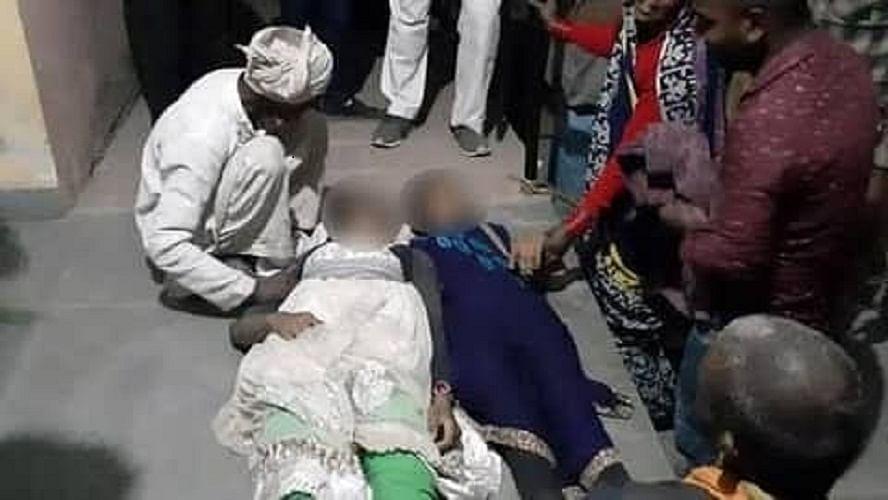 उन्नाव केसः दोनों पीड़िताओं का हुआ अंतिम संस्कार, तीसरी की अस्पताल में मौत से जंग जारी