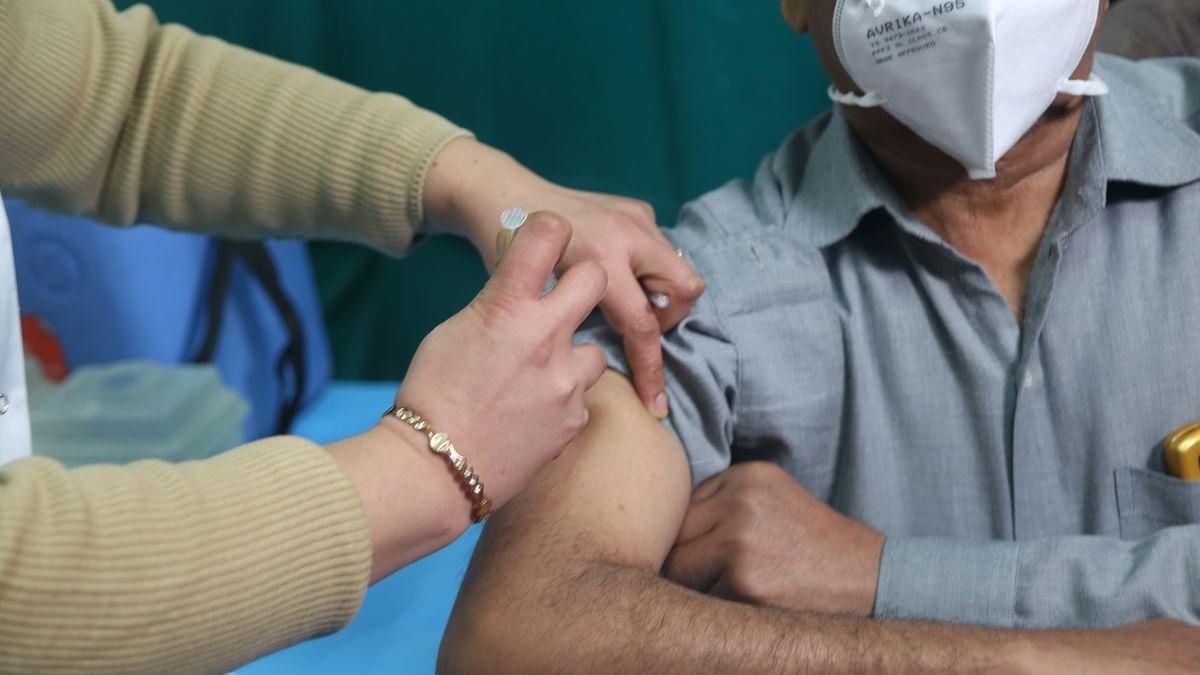 कोरोना टीकाकरण का तीसरा चरण मार्च के दूसरे सप्ताह से, 50 साल से अधिक उम्र के लोगों को लगेगा टीका