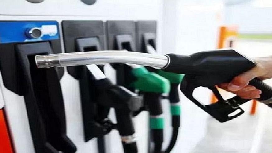 देश में लगातार दूसरे दिन बढ़े तेल के दाम, दिल्ली में 2 दिनों में पेट्रोल-डीजल 65 पैसे महंगा, जानें नई कीमत