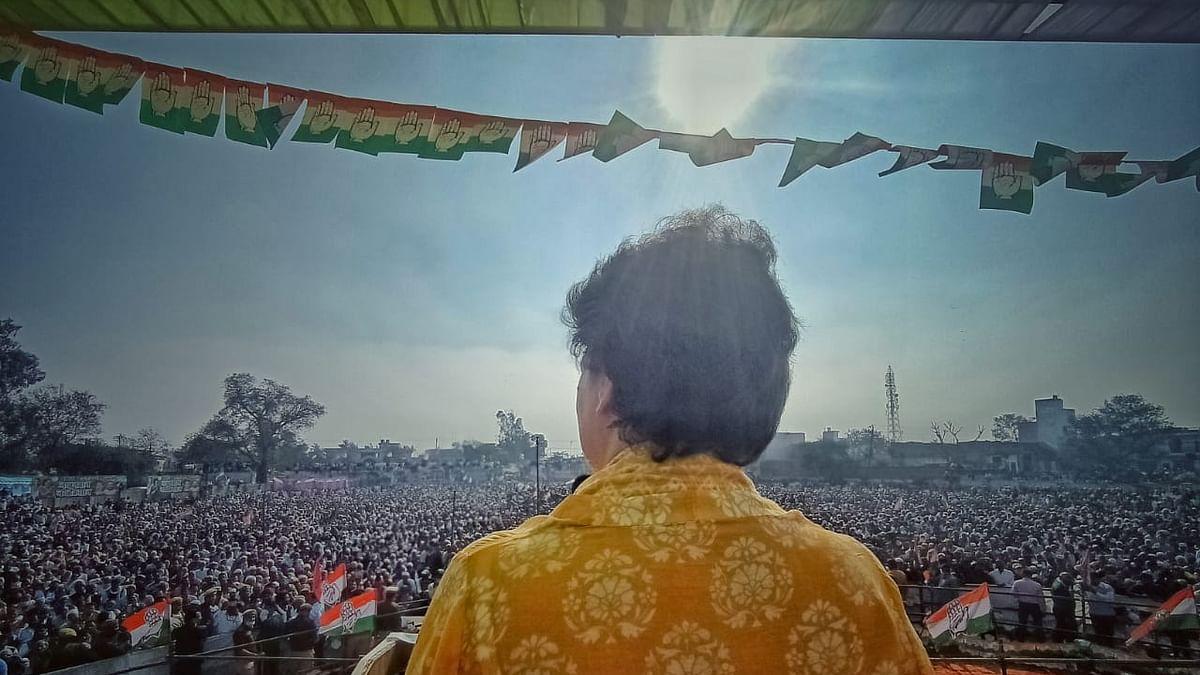 किसान पंचायत में प्रियंका गांधी बोलीं- किसान देश का हृदय है, देशद्रोही, आतंकवादी, परजीवी और आंदोलनजीवी नहीं
