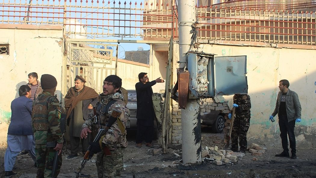 दुनिया की 5 बड़ी खबरें: अफगानिस्तान में दो दिनों में 90 आतंकी ढेर और 2021 में कई हमलों को अंजाम दे सकता है ISIS!