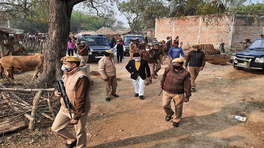 उत्तर प्रदेश: उन्नाव में दो नाबालिग दलित लड़कियों के शवों का आज होगा अंतिम संस्कार, गांव छावनी में तब्दील