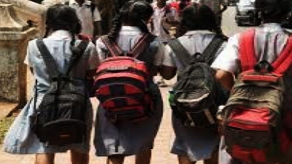 गोवा में स्कूटर या मोटरसाइकिल से स्कूल नहीं जा सकेंगे छात्र, शिक्षा विभाग ने तत्काल प्रभाव से लगाई पाबंदी