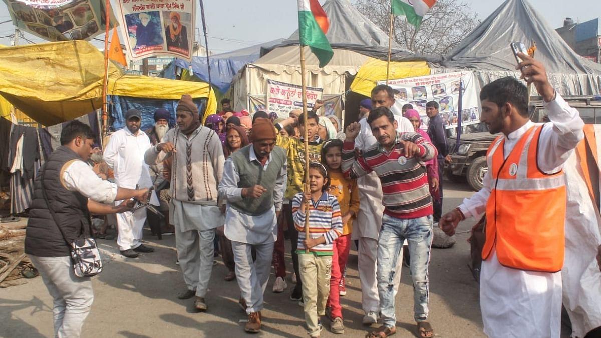 नए कृषि कानूनों के खिलाफ सिंघु बॉर्डर पर प्रदर्शन कर रहे किसानों की बड़ी तैयारी, बना रहे ये योजना