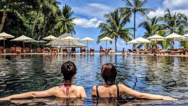 अर्थ जगत की 5 बड़ी खबरें: कोरोना के कारण पर्यटन, यात्रा और आतिथ्य क्षेत्र बुरी तरह हुए प्रभावित और शेयर बाजार धड़ाम
