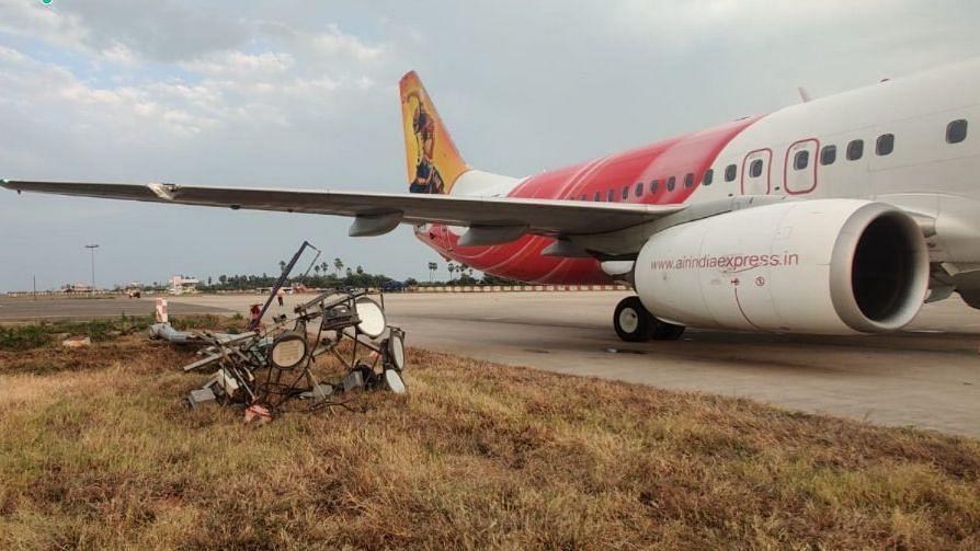 लैंडिंग के दौरान बिजली के खंभे से टकराया एयर इंडिया का विमान, टला बड़ा हादसा, सभी यात्री सुरक्षित