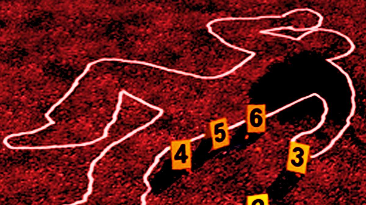 यूपी के संभल में रहस्यमय परिस्थितियों में कांस्टेबल की मौत, दो महीने पहले ही हुई थी शादी
