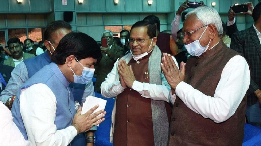 बिहारः नीतीश कैबिनेट के विस्तार पर NDA में बवाल, घटक दलों के साथ बीजेपी-जेडीयू में भी नाराजगी