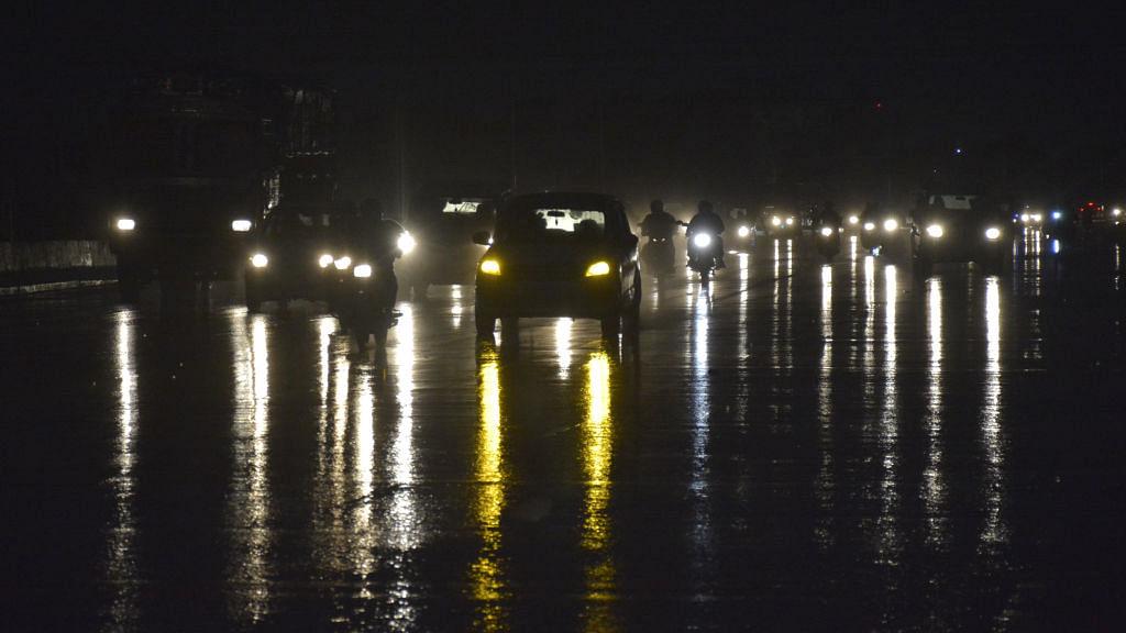 उत्तराखंड के कई इलाकों में बर्फबारी और बारिश का अनुमान, दिल्ली-एनसीआर में भी बदलेगा मौसम का मिज़ाज