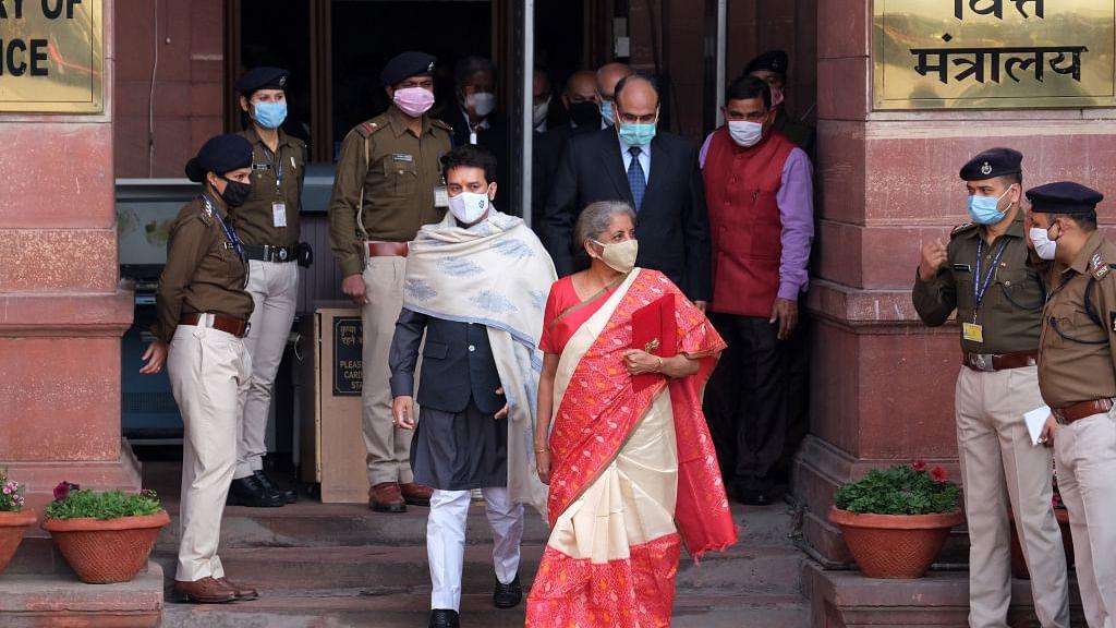 खरी-खरी: इस साल के बजट के बाद भारत अब न वेलफेयर स्टेट रहा, न ही आंबेडकर के सामाजिक न्याय का पक्षधर