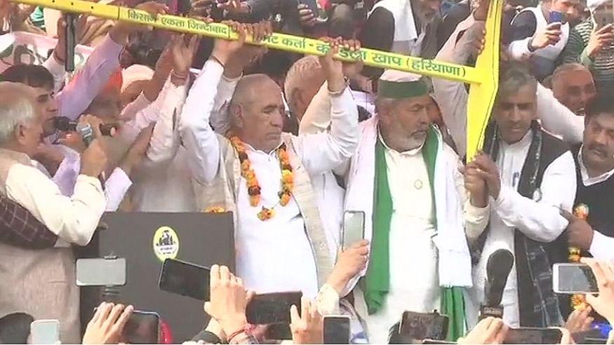 Farmers Protest LIVE: जींद महापंचायत में राकेश टिकैत की हुंकार, कहा- जब-जब राजा डरता है, किलेबंदी करता है
