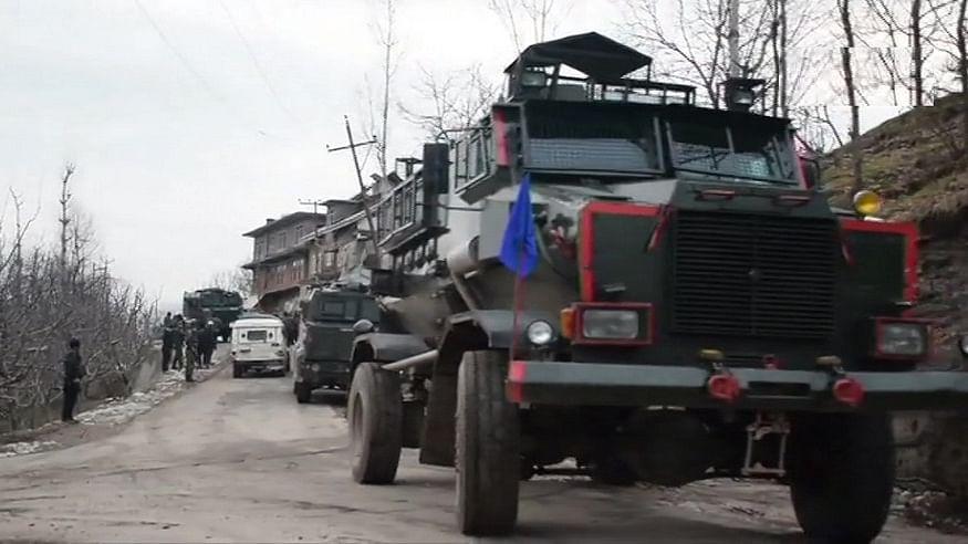 जम्मू-कश्मीर के शोपियां में सुरक्षा बलों से मुठभेड़ में एक आतंकी मारा गया, अब जैश कमांडर सजाद अफगानी पर नजर