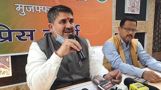 बिहार: शराब मामले में घिरे नीतीश के मंत्री की सफाई- 'दूध का व्यापार करता हूं, भाई दोषी तो जाए जेल'