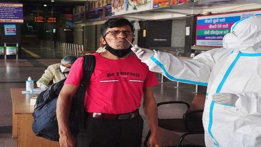 कोरोना: दिल्ली में एयरपोर्ट, रेलवे स्टेशन और बसअड्डों पर होगी रैंडम टेस्टिंग, त्योहारों के लिए गाइडलाइन जारी