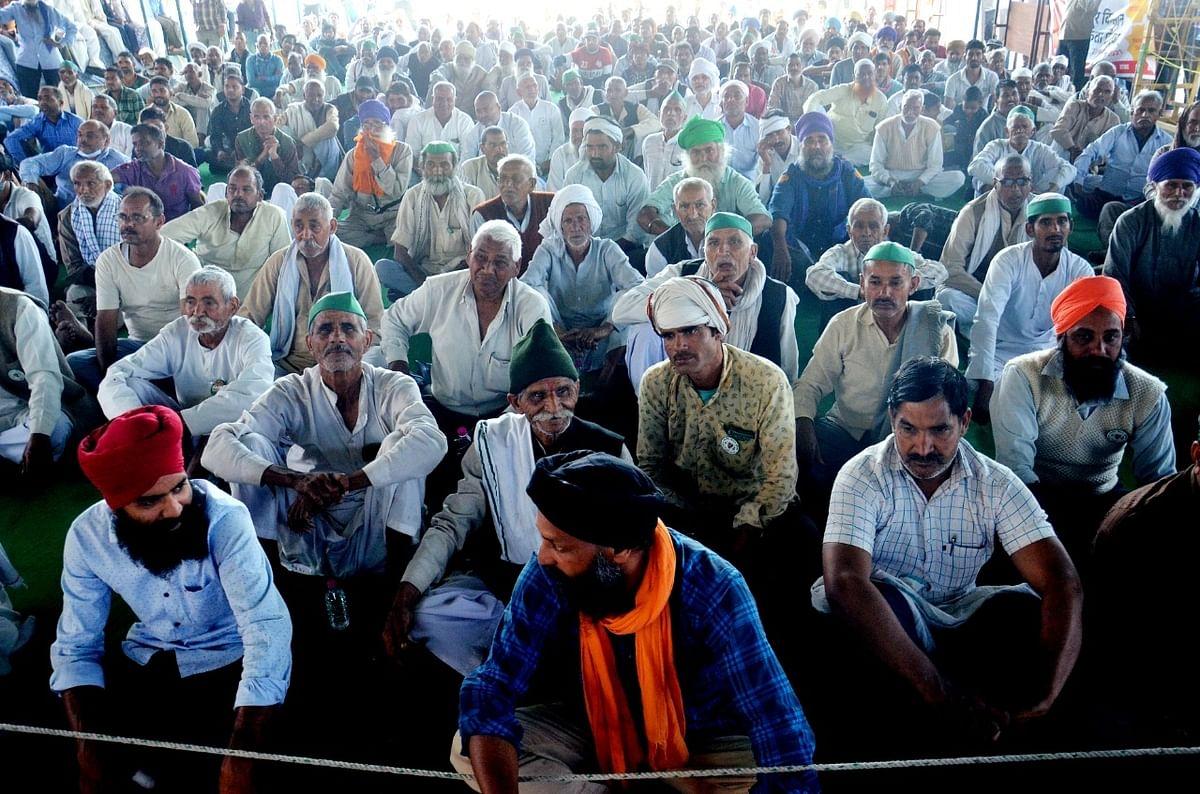 चुनावी राज्यों में किसान आंदोलन पहुंचने से बीजेपी की जमीन खिसकी, अब सुप्रीम कोर्ट की कमेटी से ही उम्मीद