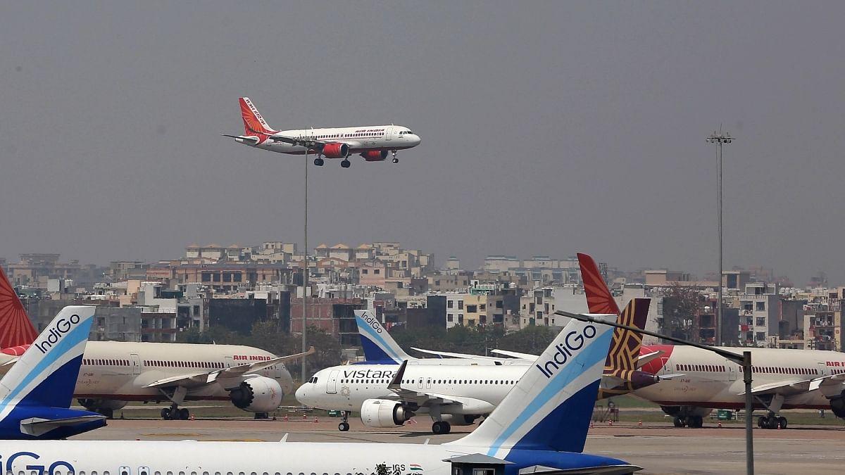 अर्थ जगत की 5 बड़ी खबरें: हवाई यात्रियों को झटका! केंद्र ने न्यूनतम किराया बढ़ाया और टेस्ला के सीईओ की चीन को खरी-खरी