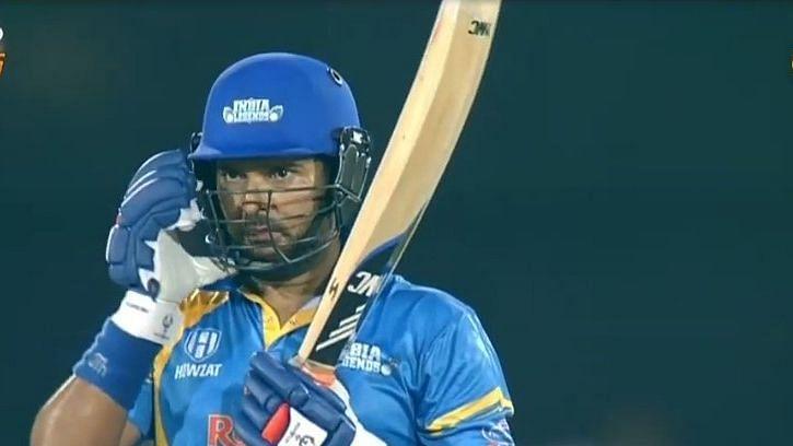 रोड सेफ्टी वर्ल्ड सीरीज: फिर गरजा युवराज का बल्ला, एक ही ओवर में जड़ दिए 4 छक्के, इंडिया लेजेंड्स की रोमांचक जीत