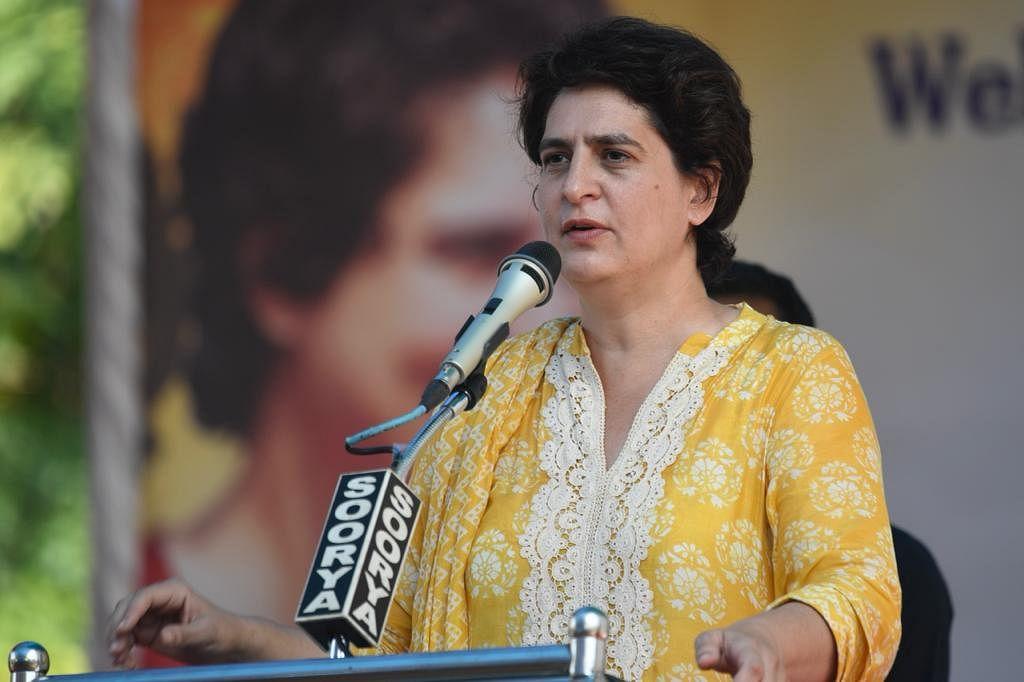 केरल में इंदिरा की यादों को वापस लेकर आईं प्रियंका गांधी, रोड शो में उमड़ी हजारों की भीड़, विजयन सरकार पर बोला हमला