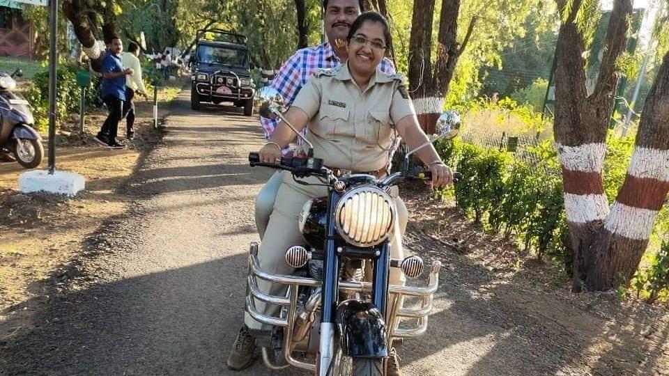 महाराष्ट्रः 'लेडी सिंघम' आत्महत्या मामले में शीर्ष वन अधिकारी निलंबित, शोषण का है आरोप
