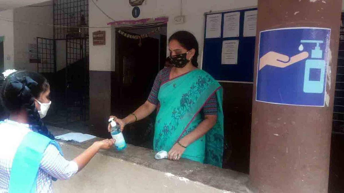 हरियाणा के करनाल में सैनिक स्कूल के 57 छात्र कोरोना संक्रमित, सोमवार से शुरू होनी है कक्षा 1 और 2 की पढ़ाई
