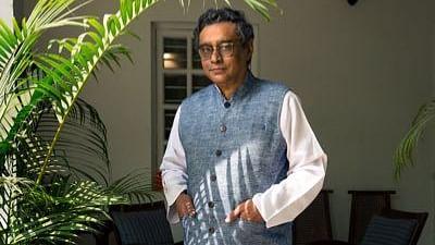 बंगाल चुनाव में BJP के उम्मीदवार बनाए गए स्वपन दासगुप्ता को राज्यसभा से देना पड़ा इस्तीफा, TMC ने उठाए थे सवाल