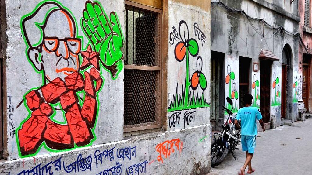 कोलकाता की दीवारों पर बदलते रंग, लोकप्रिय गीतों की पैरोडी और वीडियो के साथ दीवारों पर लिखी जा रहीं सियासी इबारतें