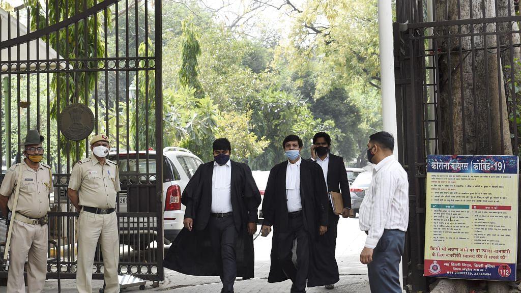 दिल्ली HC का चुनाव आयोग और केंद्र को नोटिस, पूछा- चुनावी रैलियों में मास्क क्यों नहीं पहन रहे लोग?