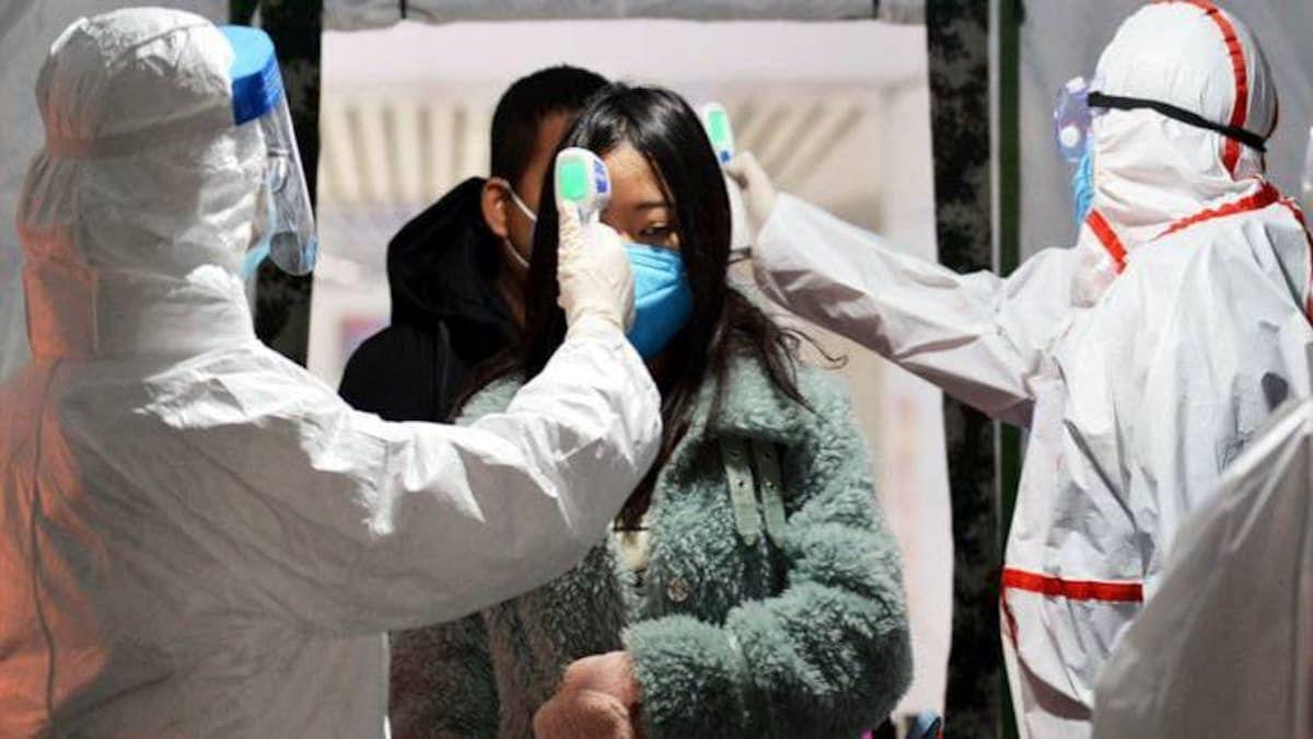 कोरोना वायरस से दुनिया भर में त्राहिमाम, लेकिन चीन में कोविड टीकाकरण की रफ्तार इतनी धीमी क्यों? उठे सवाल