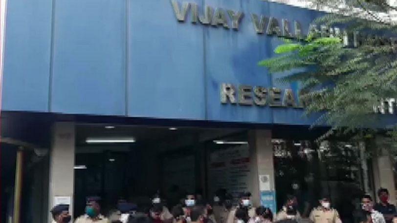 महाराष्ट्र: COVID सेंटर हादसे को लेकर उद्धव ठाकरे ने दिए जांच के आदेश, जानें पीएम मोदी, रक्षा मंत्री ने क्या कहा?