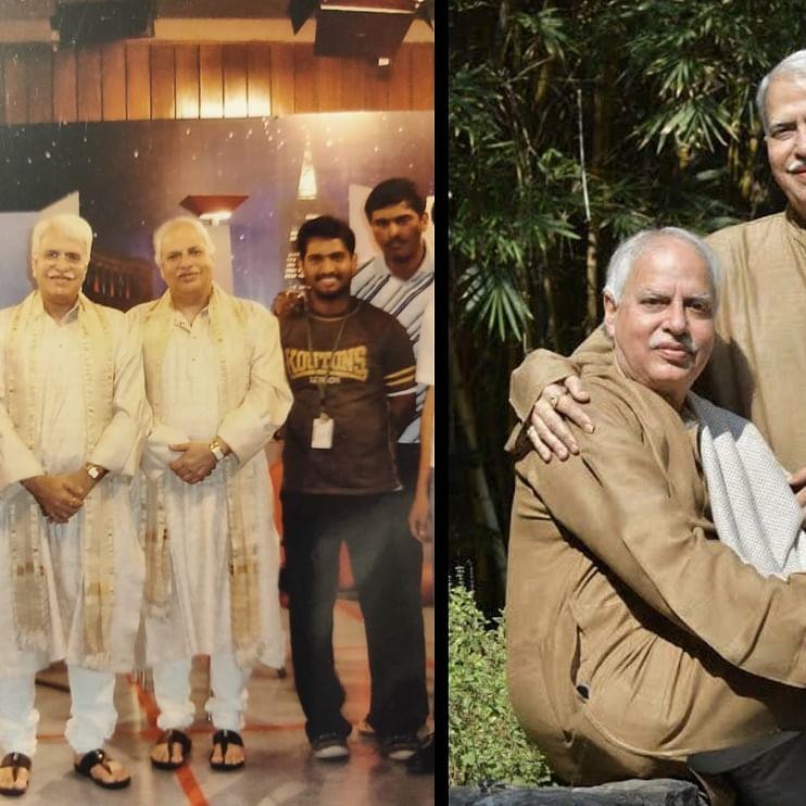 पहली फोटो में सबसे बाईं तरफ लेखिका मृणाल पांडे पंडित राजन मिश्रा और साजन मिश्रा के साथ, दूसरी फोटो में दोनों भाई एक सौम्य मुद्रा में