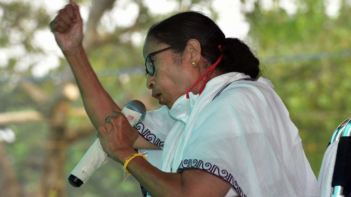 ममता बनर्जी का चुनाव आयोग पर गंभीर आरोप, कहा- पहले लोगों को मारा गया, अब सबूतों को समाप्त करने की हो रही कोशिश