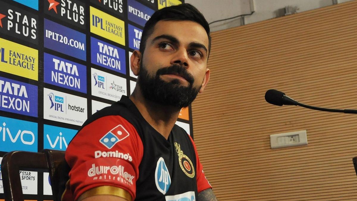 IPL 2021: मैच में विराट कोहली को ये हरकत करना पड़ गया भारी, लगी कड़ी फटकार