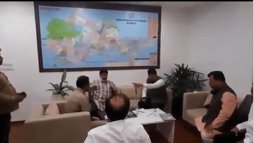 बीजेपी नेता फडणवीस पर रेमडेसिवीर की 'जमाखोरी' का आरोप, प्रियंका ने मानवता के खिलाफ अपराध करार दिया