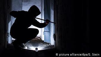 कोरोना महामारी ने लोगों के कामकाज पर डाला बुरा असर, घरों में सेंधमारी करने वाले चोर भी परेशान!