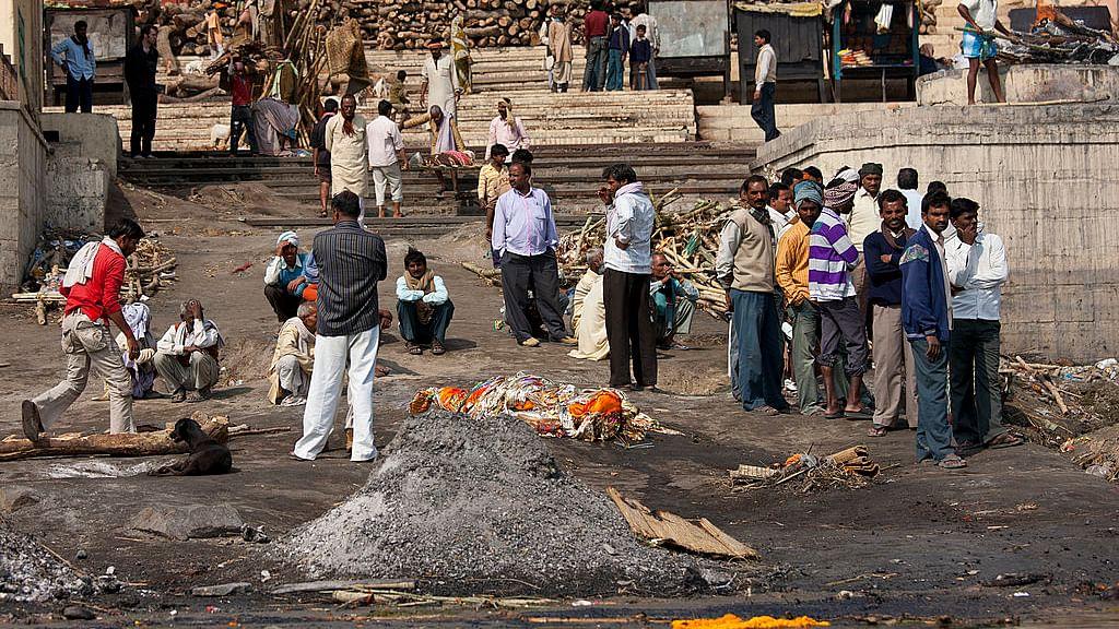 मोदी के संसदीय क्षेत्र का हाल! काशी में अंतिम क्रिया का भी व्यापार, कंधा देने के लिए 4 से 5 हजार रुपये की डिमांड