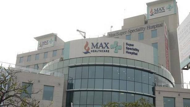 Corona Live: दिल्ली को 480 मिट्रिक टन ऑक्सीजन देगा केंद्र, हाईकोर्ट को लिखित में दिया भरोसा