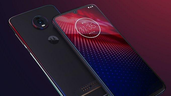 अर्थ जगत की 5 बड़ी खबरें: मोटोरोला के दो नए किफायती स्मार्टफोन लॉन्च और कोका-कोला का भारत में रणनीतिक निवेश योजना बरकरार