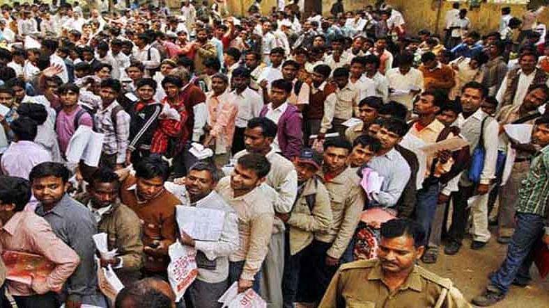 मृणाल पाण्डे का लेख: महामारी, बेरोजगारी और राजनीतिक मारामारी और मतदाताओं की लाचारी