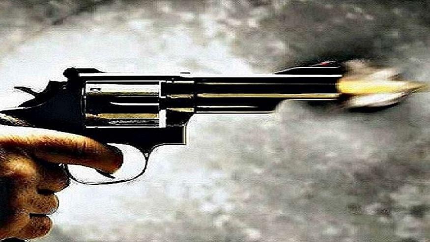 उत्तर प्रदेश के बागपत में प्रधान पद के प्रत्याशी को बदमाशों ने मारी गोली, गंभीर हालत में अस्पताल में भर्ती